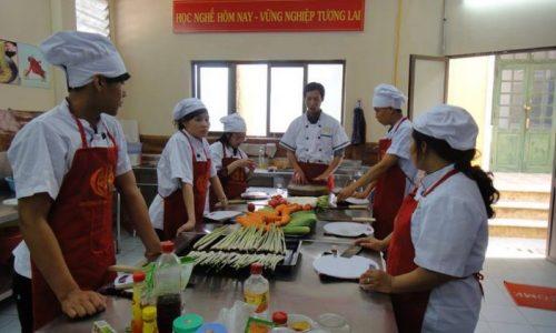 Học nấu ăn. Trường cao đẳng dạy nghề nấu ăn tuyển sinh. 02